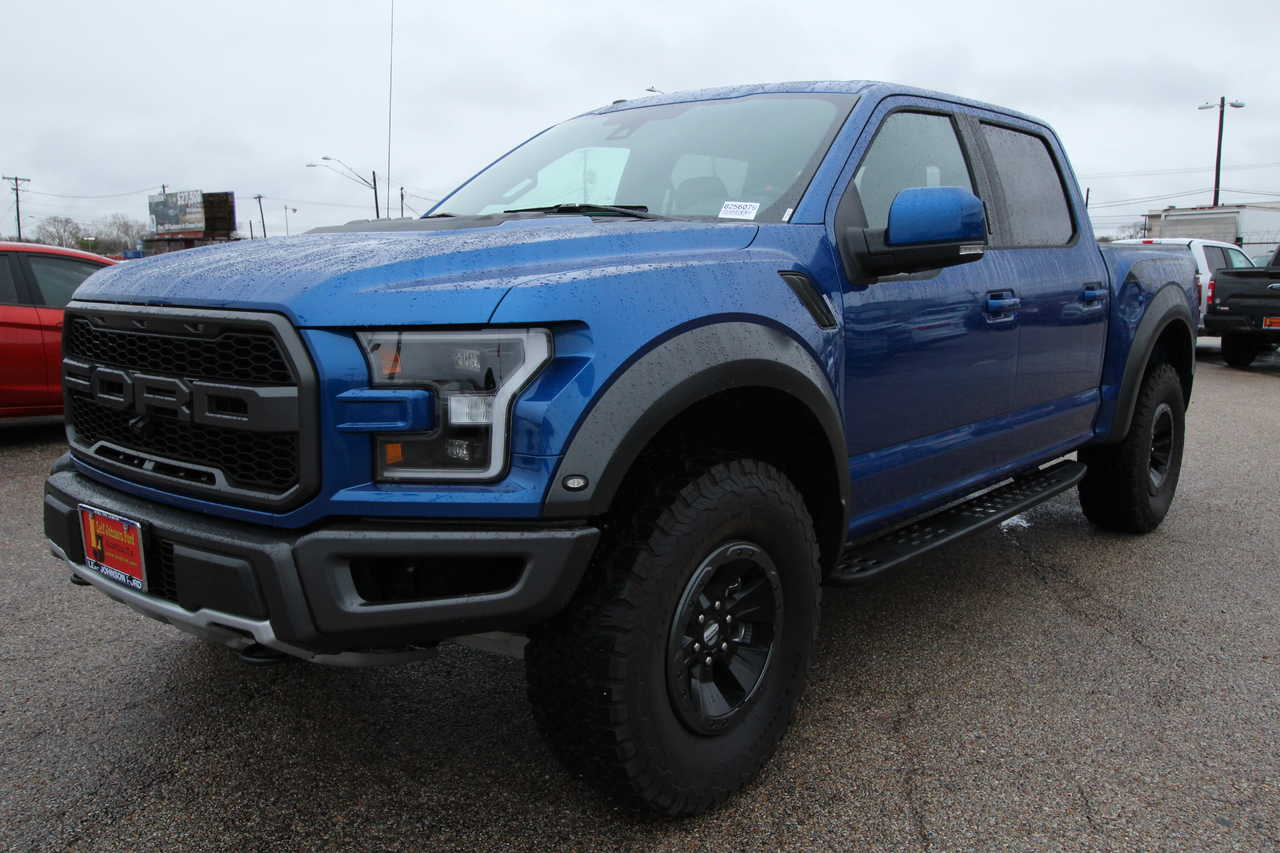New 2018 Ford F-150 SuperCrew 5.5' Box Raptor