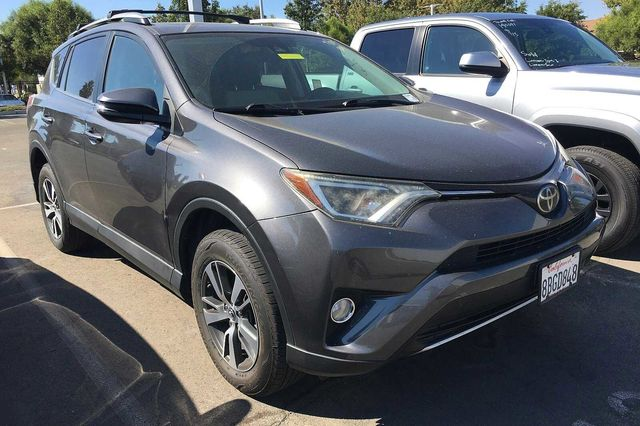 2017 TOYOTA RAV4 XLE Tonneau Cover - 9000 All Weather Floor Liners and Cargo Tray Roof Rack Cr